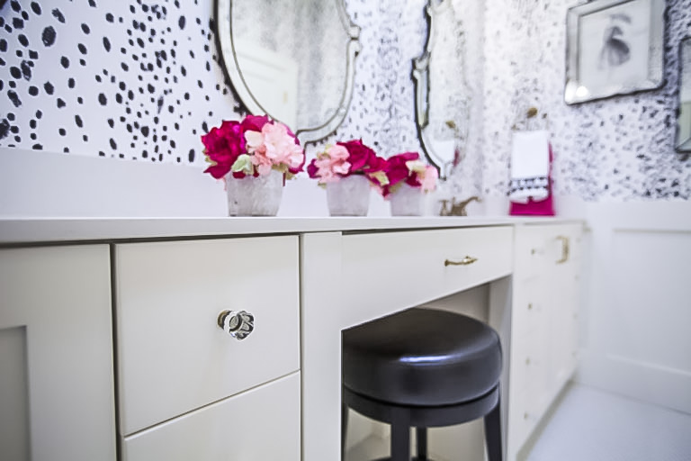 crystal-hardware-bathroom-vanity-cabinets